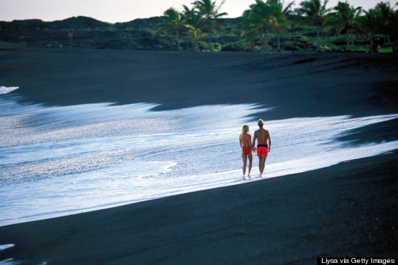 o-HAWAII-BLACK-SAND-BEACH-570