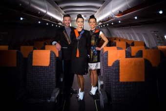 easyJet crew dons wearable tech